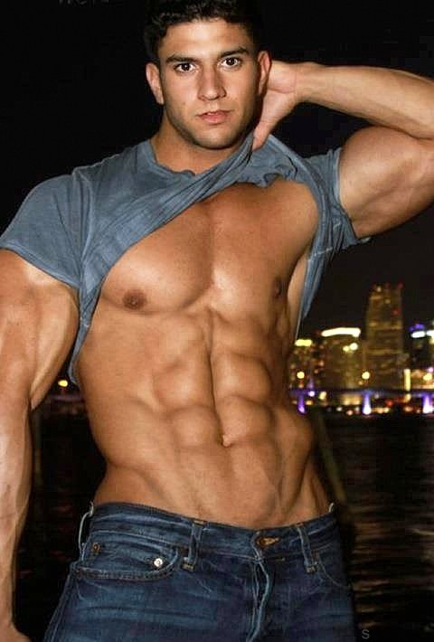 fit-guys-abs-hot-guys-abs-v-shaped-abs-on-guys-gympaws-best-crossfit-gloves