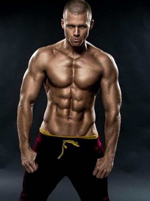 amazing-man-with-six-packs-abs