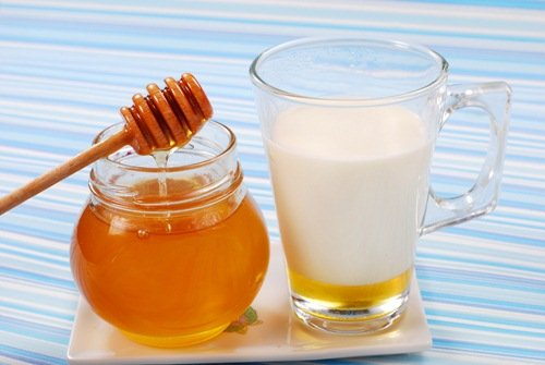 บำรุงผิวด้วยน้ำผึ้งผสมนมสด