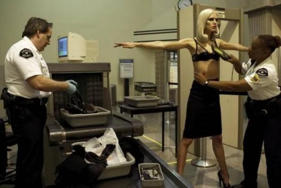ตรวจร่างกาย ที่สนามบิน
