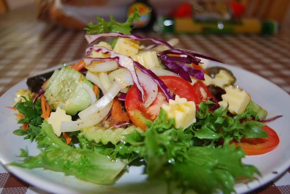 สลัดผักน้ำใส