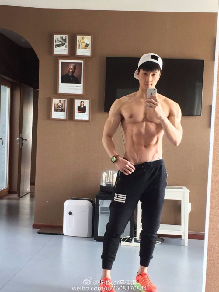 sexy-asian-men-six-pack11