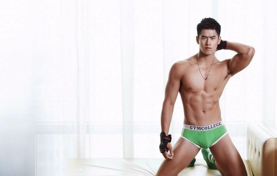 sexy-asian-men-six-pack13