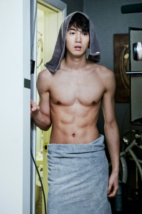 sexy-asian-men-six-pack18