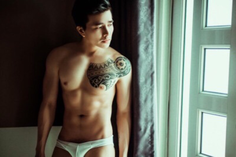 sexy-asian-men-six-pack3