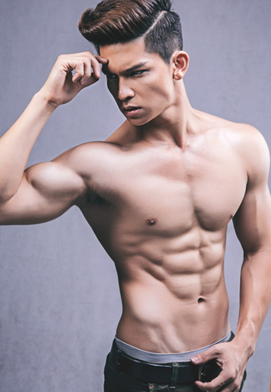 sexy-men-six-pack1