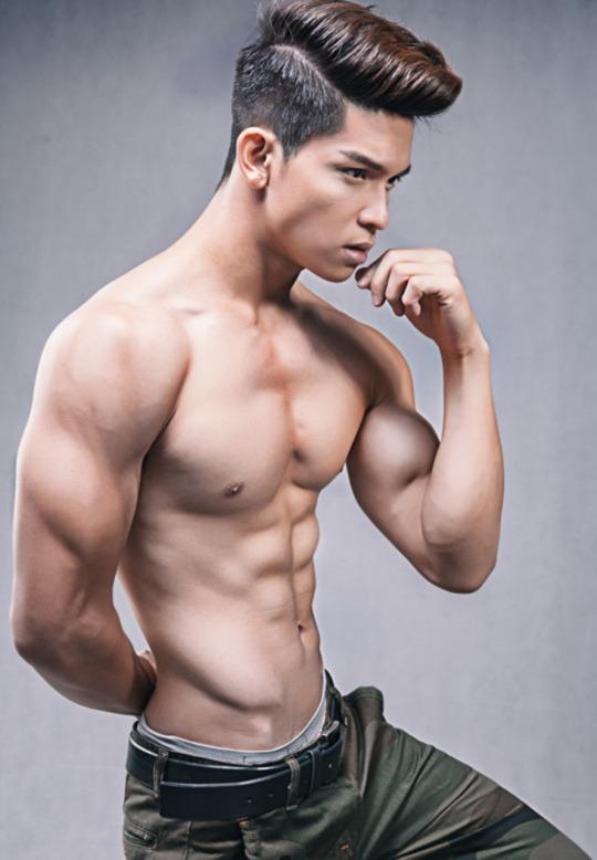 sexy-men-six-pack3