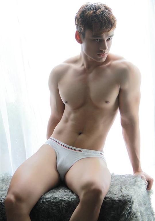 sexy-men-six-pack7