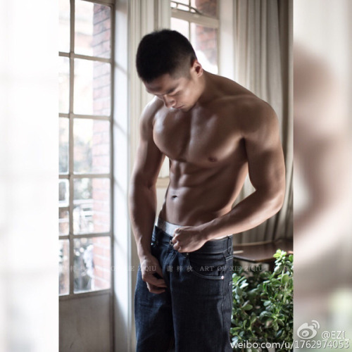 asian-men-six-pack15