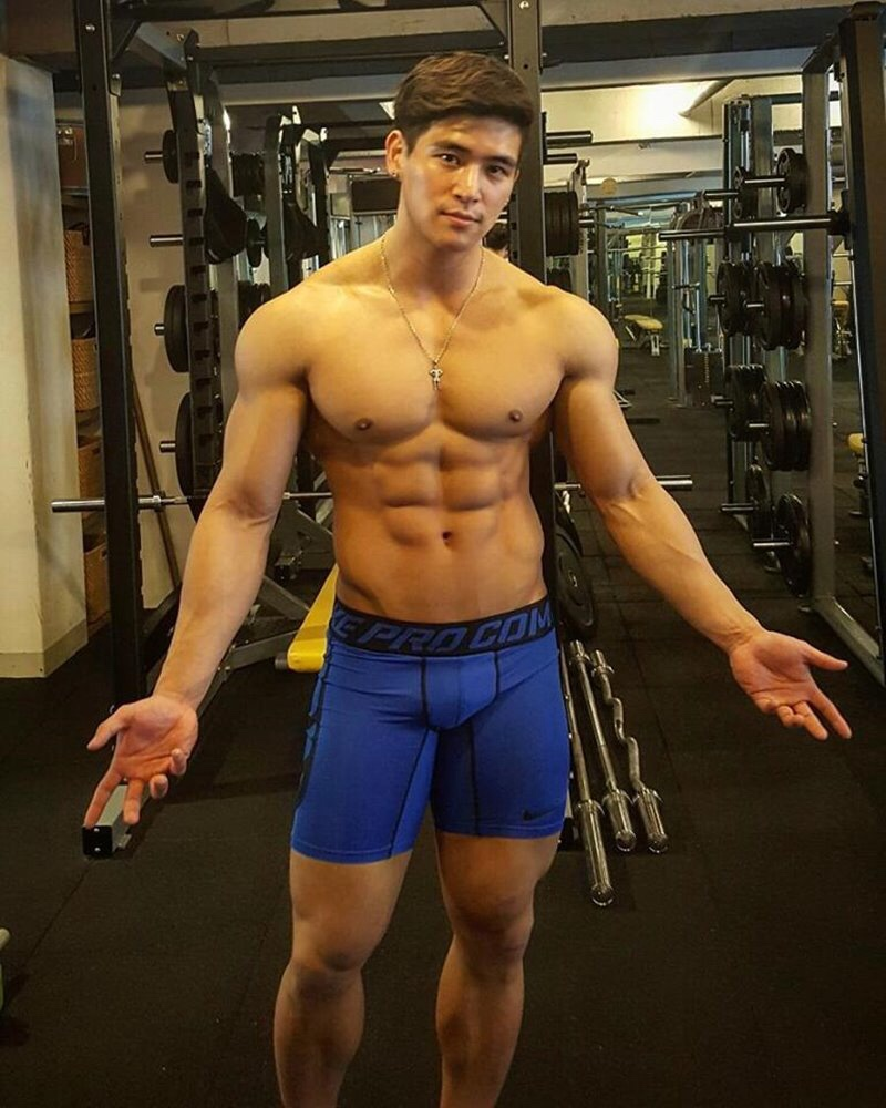 asian-men-six-pack17