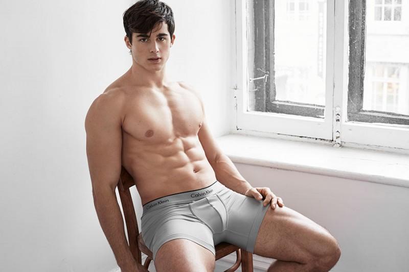 pietro-boselli-2016-simons-underwear-photo-shoot-016-800x533
