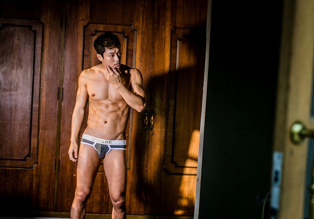 hot-men-underwear25