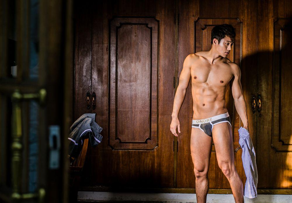 hot-men-underwear26