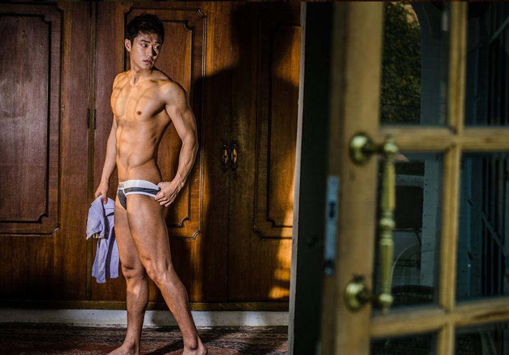 hot-men-underwear31