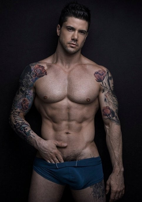 sexy-men-six-pack21