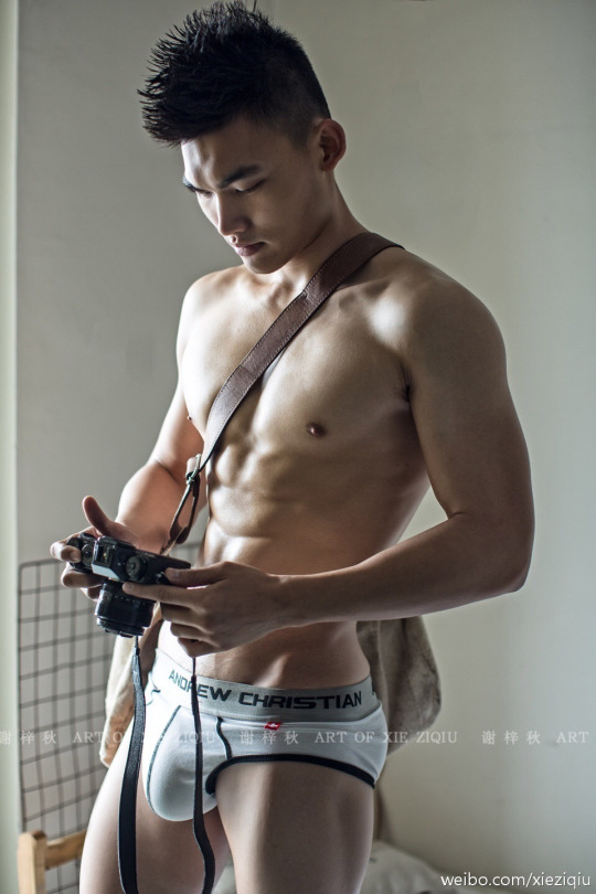 sexy asian man on earth six pack2