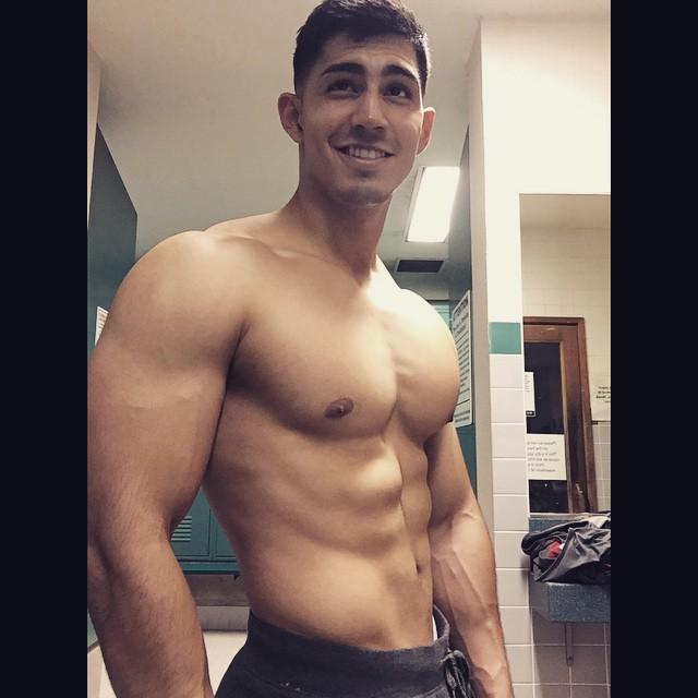 sexy-men-six-pack12