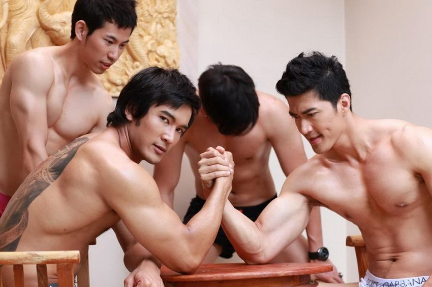sexy-men-six-pack6
