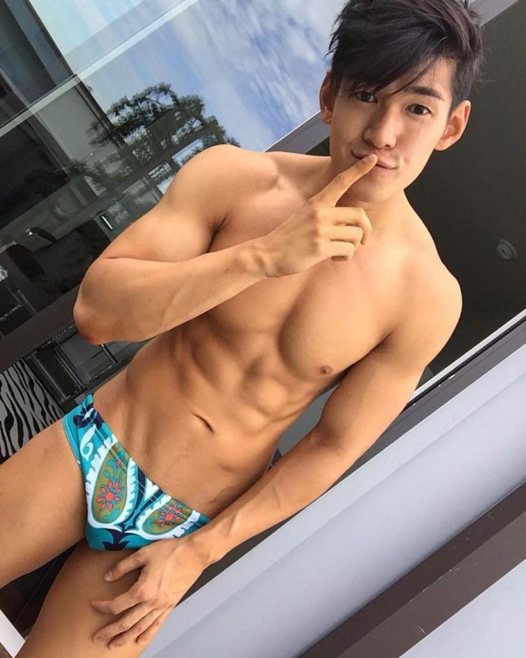 sexy asian men six pack1