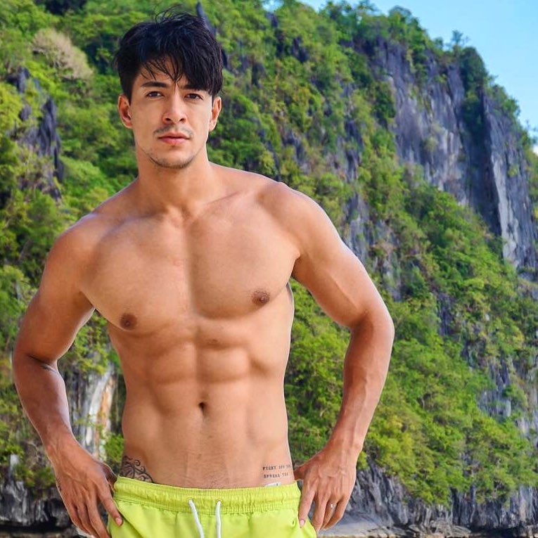 sexy asian men six pack2