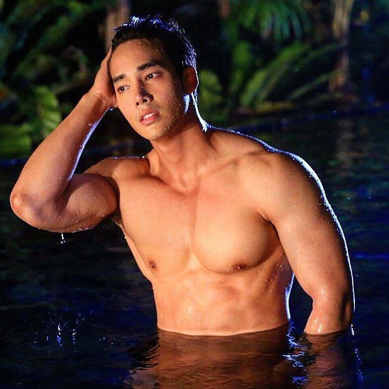 sexy asian men six pack4