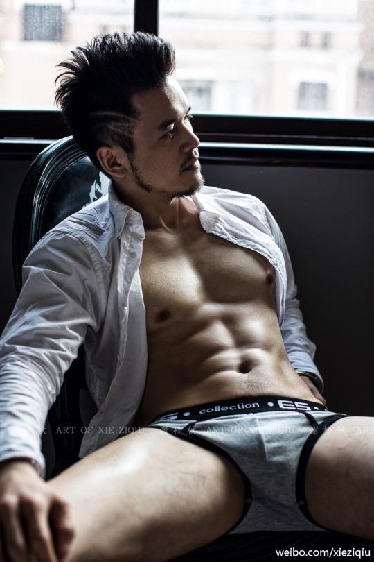 sexy-asian-men-six-pack5