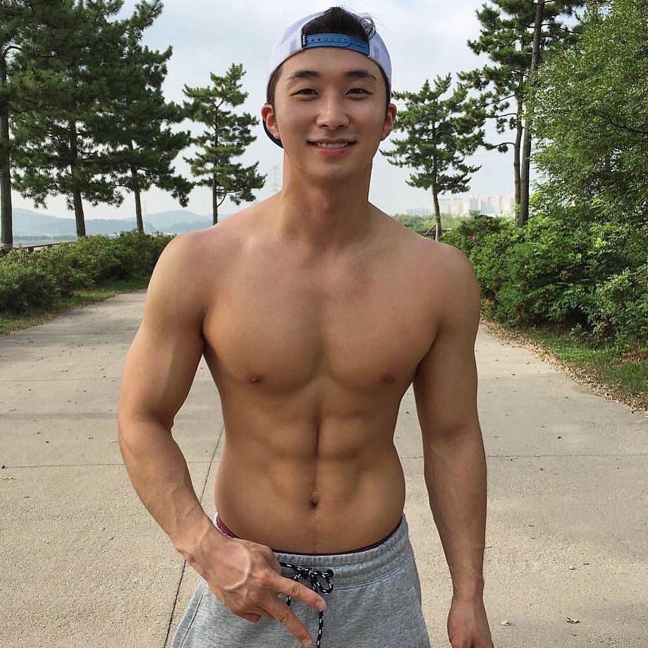 sexy asian men six pack5