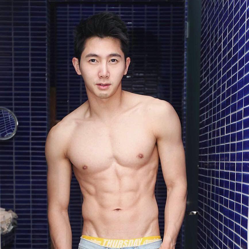 sexy asian men six pack6