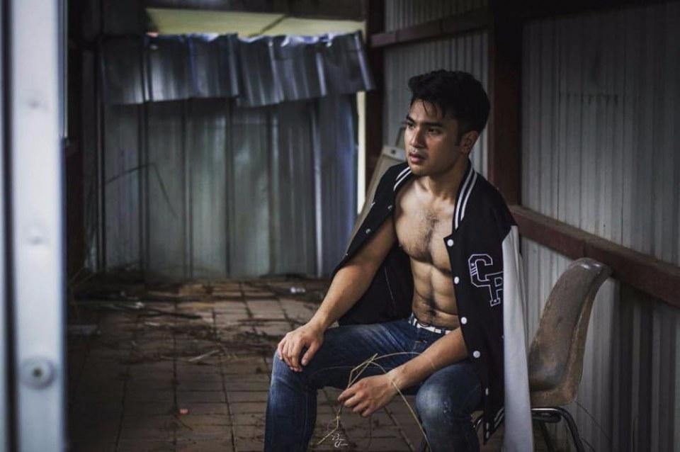 sexy asian men six pack7