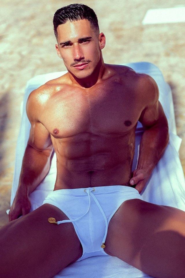 sexy-men-with-hot-six-pack12