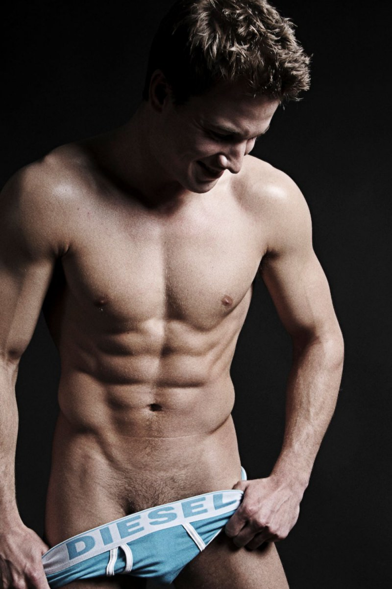 sexy-men-with-hot-six-pack16