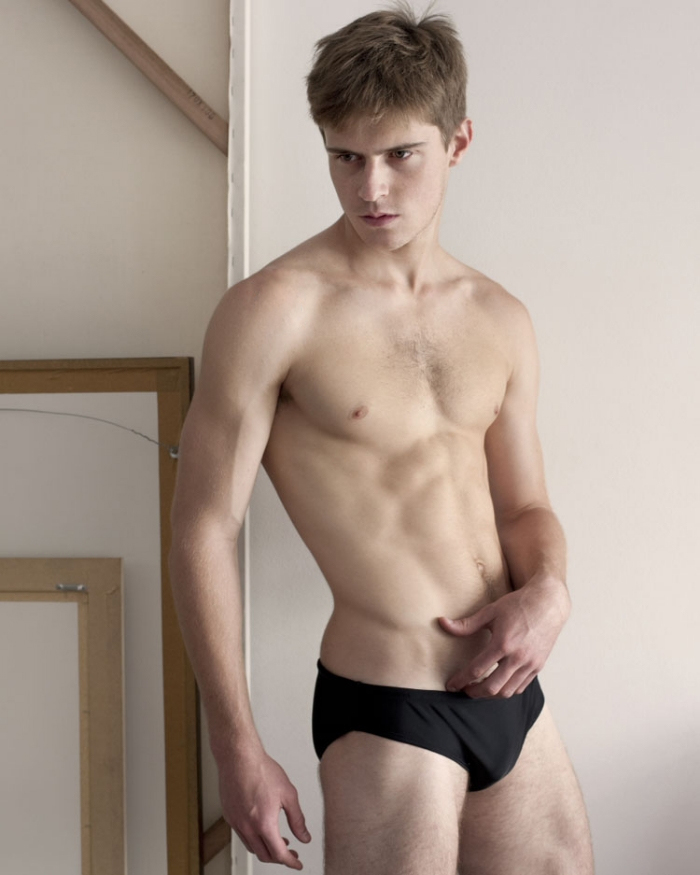 sexy-men-with-hot-six-pack2
