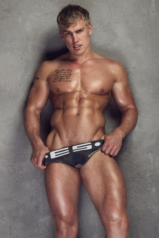 sexy-men-with-hot-six-pack6