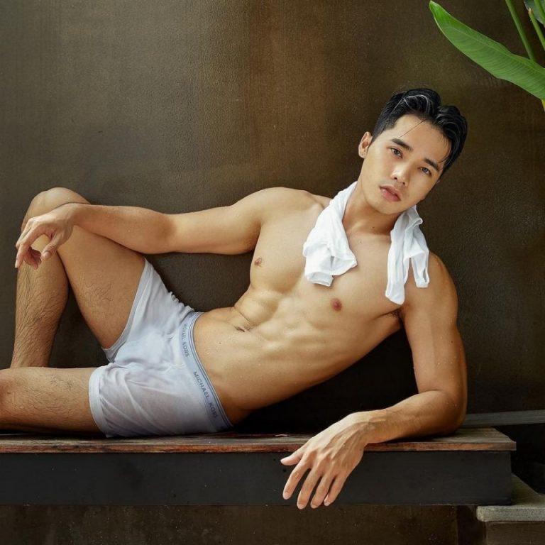 Bangkok ladyboy pinky