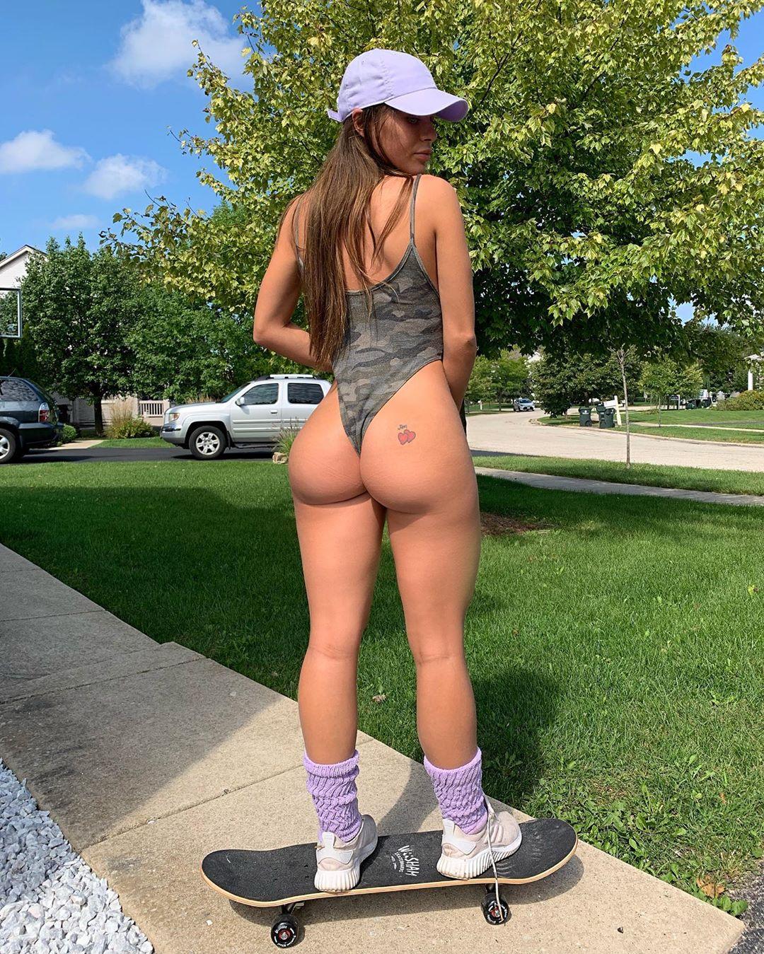 Lana rhoades trainer pornhub